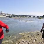 Le pont Jacques Gabriel de Blois vu de la Loire