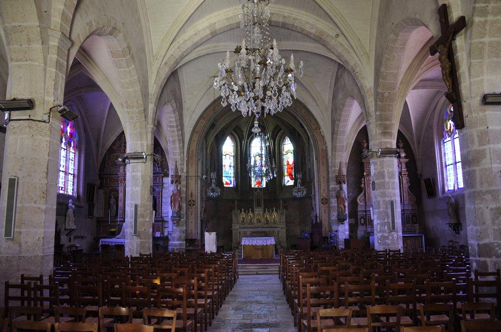 Nef de l'église Notre Dame de Chitenay