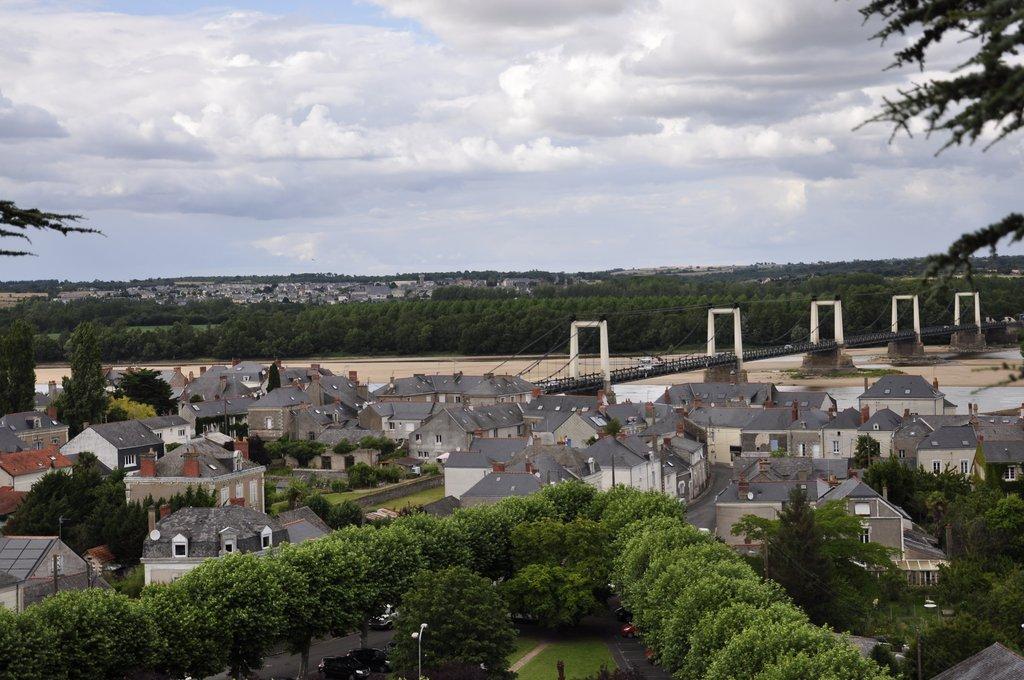 Vue sur le pont de Montjean-sur-Loire